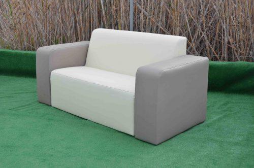 Sofá Brisa exterior tapizado 2 plazas con reposabrazos
